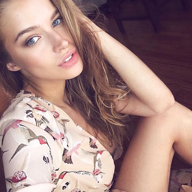 Tanya Mityushina-Perm-Russie-Russe-Instagirl-Instagram-Sexy-Jolie-Canon-Glamour-Fille-Femme-Blonde-Yeux-Verts-Mannequin-Elite-mode-bikini-maillot de bain-effronte-11