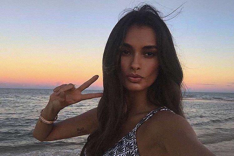 Gizele Oliveira-Brésil-Brésilienne-Espirito Santo-Instagirl-Instagram-Sexy-Jolie-Canon-Glamour-Fille-Femme-Brune-Mannequin-mode-bikini-visage-maillot-de-bain-effronte-cover-01.jpg