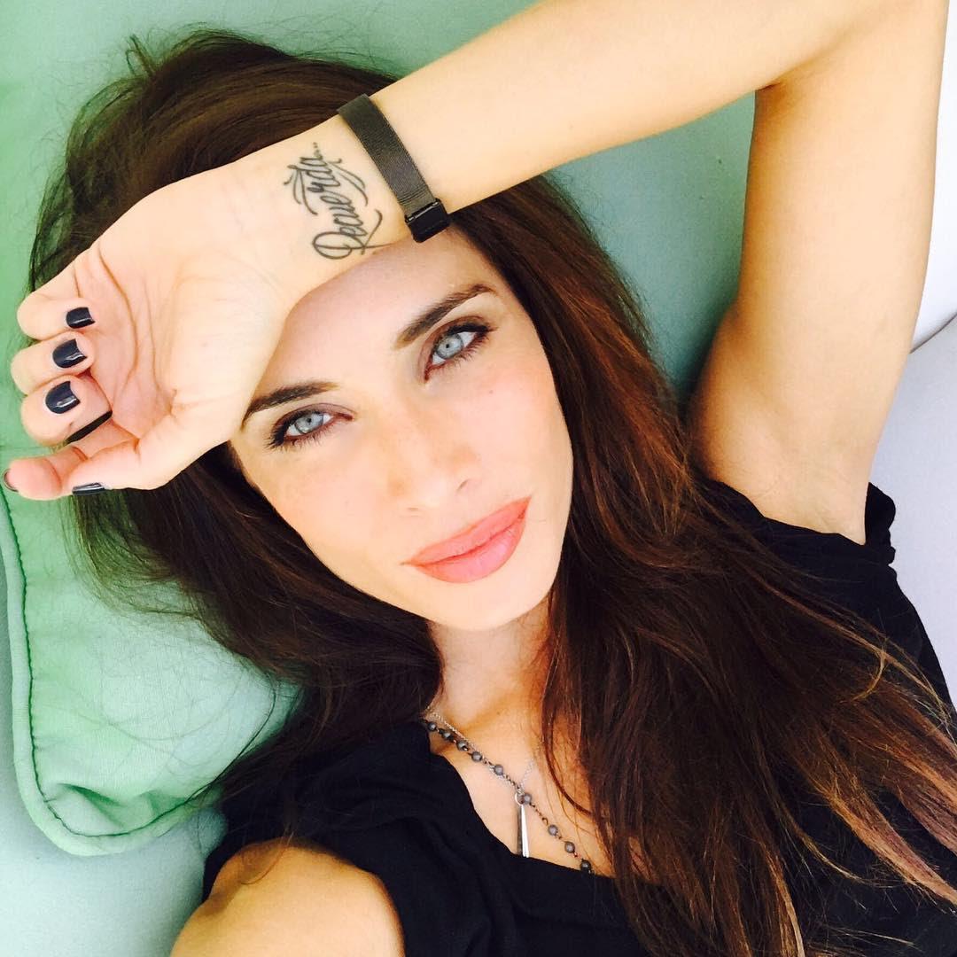 Pilar Rubio-Espagne-Espagnole-Real Madrid-Instagirl-Instagram-Sexy-Jolie-Canon-Glamour-Fille-Femme-Brune-Actrice-journaliste-présentatrice-WAG-Sergio-Ramos-effronte-01