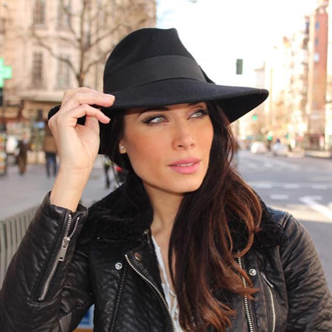 Pilar Rubio-Espagne-Espagnole-Real Madrid-Instagirl-Instagram-Sexy-Jolie-Canon-Glamour-Fille-Femme-Brune-Actrice-journaliste-présentatrice-WAG-Sergio-Ramos-effronte-02