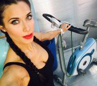Pilar Rubio-Espagne-Espagnole-Real Madrid-Instagirl-Instagram-Sexy-Jolie-Canon-Glamour-Fille-Femme-Brune-Actrice-journaliste-présentatrice-WAG-Sergio-Ramos-effronte-03