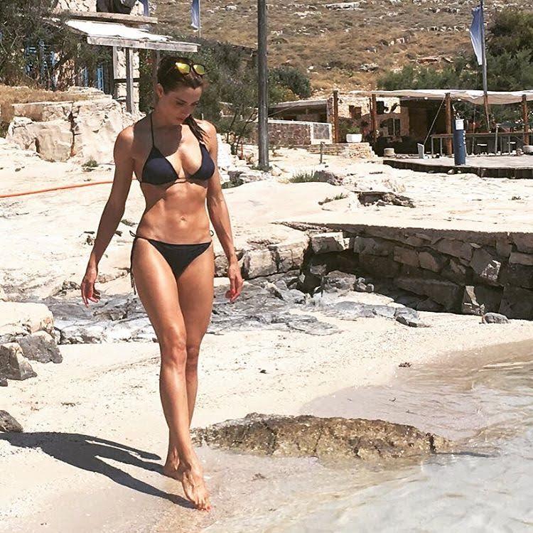 Pilar Rubio-Espagne-Espagnole-Real Madrid-Instagirl-Instagram-Sexy-Jolie-Canon-Glamour-Fille-Femme-Brune-Actrice-journaliste-présentatrice-WAG-Sergio-Ramos-effronte-05
