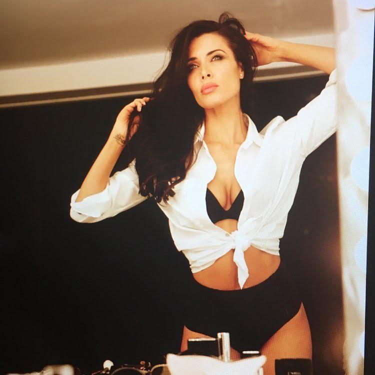 Pilar Rubio-Espagne-Espagnole-Real Madrid-Instagirl-Instagram-Sexy-Jolie-Canon-Glamour-Fille-Femme-Brune-Actrice-journaliste-présentatrice-WAG-Sergio-Ramos-effronte-12